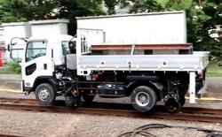 Kirikusha: Loại xe tải cực dị đến từ Nhật Bản, đi được trên cả đường bộ lẫn đường sắt
