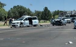 Lại thêm một chiếc xe tự lái Waymo bị tai nạn ở Arizona