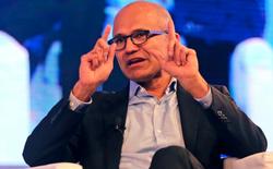 CEO của Microsoft lần đầu tiên chỉ trích cả Amazon và Google