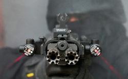 """Chiêm ngưỡng súng trường tấn công """"Rắn hai đầu"""" siêu độc đáo, siêu đắt đỏ của công ty Israel"""