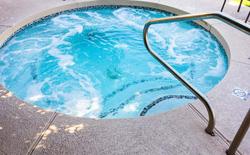 Nếu là người ưa thích bơi lội, hãy cẩn thận trong việc lựa chọn bể bơi của mình!