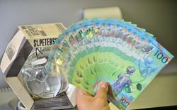 Những hình ảnh lạ trên tờ tiền 100 Ruble Nga khiến giới hâm mộ bóng đá săn lùng