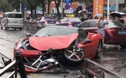 Lần đầu lái siêu xe, cô gái Trung Quốc phá tan chiếc Ferrari 458 Italia giá 14 tỷ