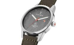 """TRIWA Humanium Metal: Chiếc đồng hồ """"giã từ vũ khí"""", được làm từ súng ống nung chảy"""