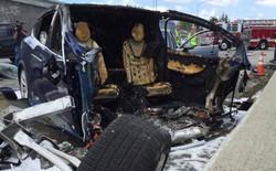 Pin của chiếc Tesla Model S tự bốc cháy 2 lần sau khi gặp tai nạn
