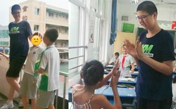 Mới 11 tuổi đã cao 2m, cậu bé Trung Quốc mơ ước phá kỷ lục Guinness về chiều cao