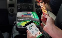 Grab mở tạp hóa ngay trong xe, bán từ thanh socola tới kem chống nắng