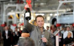 Cổ đông của Tesla bác bỏ đề nghị thay thế Elon Musk