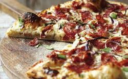 """Được một hoàng hậu khen ngợi, chiếc bánh pizza bỗng """"đổi đời"""" từ món ăn của người nghèo thành biểu tượng ẩm thực Ý"""