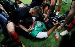 [World Cup 2018] Bị dẫm đạp khi tuyển Croatia ăn mừng, nhiếp ảnh gia Mexico vẫn xuất sắc hoàn thành nhiệm vụ