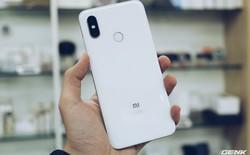 Xiaomi Mi 8 lặng lẽ bán chính hãng tại VN với giá loạn lạc, cạnh tranh trực tiếp với hàng xách tay