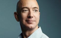 """Ông chủ Amazon khuyên người trẻ: """"Các bạn có năng khiếu rất dễ dàng, nhưng lựa chọn luôn rất khó khăn. Ỷ vào năng khiếu có thể giết chết các lựa chọn"""""""