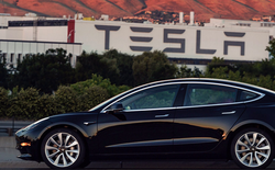 Phố Wall phát hiện rất nhiều lỗi nghiêm trọng trên Tesla Model 3