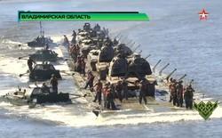 Xem lính công binh Nga - Trung thi lắp cầu phao 20 tấn: chỉ mất vài phút để trung đội xe tăng vượt sông