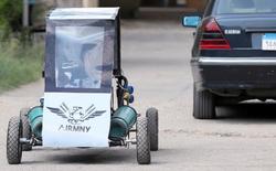 Chán dùng xăng, nhóm sinh viên Ai Cập tự thiết kế xe chạy bằng không khí cho nó tiết kiệm