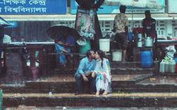 Chụp ảnh cặp đôi hôn nhau, nhiếp ảnh gia Bangladesh bị đồng nghiệp đánh, lại còn bị đuổi việc