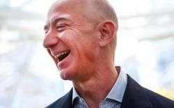 Tỷ phú Jeff Bezos kiếm 11 triệu USD/giờ, gấp hơn gần 1 triệu lần lương công nhân làm ở kho hàng Amazon