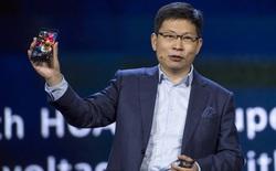Giận dữ vì bị nhà mạng Mỹ hủy hợp đồng phân phối, CEO Huawei hành động ngoài kịch bản trên sân khấu CES 2018