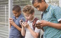 """Cổ đông của Apple tạo sức ép, muốn công ty giải quyết vấn nạn """"nghiện smartphone"""" trong giới trẻ"""