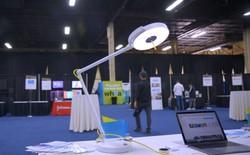 [CES 2018] Đây là chiếc đèn có thể cung cấp kết nối internet cho bạn qua ánh sáng