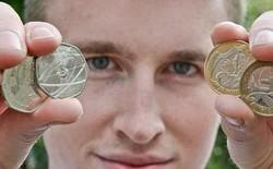 Chàng trai 20 tuổi kiếm hơn 2 tỉ đồng một năm nhờ bỏ hết việc đi bán tiền xu