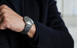 """Đây là chiếc đồng hồ cơ được thiết kế bởi """"cha đẻ của iPod"""""""