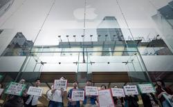 Toàn cảnh điều kiện làm việc khắc nghiệt của công nhân tại nhà máy của Apple, môi trường làm việc nghèo nàn, tràn ngập hoá chất độc hại