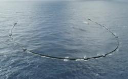 Hệ thống dọn rác biển của tài năng trẻ 24 tuổi gặp hư hại nặng, đang phải kéo về bờ để sửa chữa