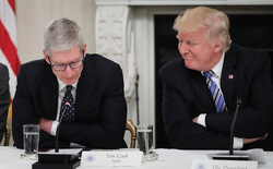 Giữa lúc Apple gặp khó khăn, tổng thống Trump lại yêu cầu sản xuất iPhone tại Mỹ