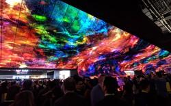 [CES 2019] LG làm bùng nổ triển lãm với màn trình diễn màn hình OLED uốn cong khổng lồ