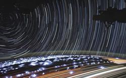 Tấm ảnh này được chụp từ ISS: Đố bạn phân tích được những vệt sáng trong đó là gì?