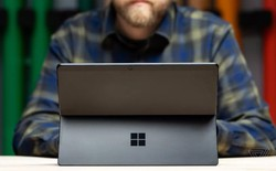 Làm sao để chọn giữa Surface Pro X và Surface Pro 7