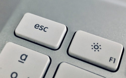 Đây là cách lấy lại nút Escape trên MacBook Pro mà không phải bỏ ra đến 3.000 USD