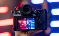 Trên tay máy ảnh không gương lật Full-frame Panasonic Lumix S1H: Siêu lớn, siêu nặng, cấu hình cao
