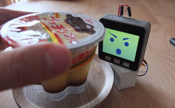 Ai từng bị chôm đồ ăn nơi công sở sẽ cần lắm một thiết bị chống trộm như thế này