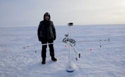 Một kỹ sư muốn phủ hàng triệu hạt thủy tinh nhỏ lên Bắc Cực, phản chiếu ánh sáng Mặt Trời để ngăn băng tan chảy