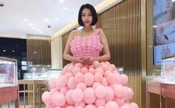 """Vua bóng bay Trung Quốc với """"tuyệt kỹ"""" thổi hơn 10.000 quả bóng mỗi ngày, hình gì cũng làm được"""