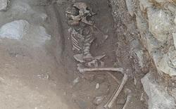Phát hiện hài cốt trẻ em bị nghi là ma cà rồng, trong miệng bị chèn một hòn đá to để không 'đội mồ sống dậy'