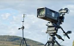 iPhone 11 Pro đọ sức với camera chuyên nghiệp 250.000 USD