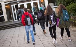 Một ngôi trường ở Đức cho phép học sinh đi muộn 1 tiếng đồng hồ: 97% học sinh sau đó đã ngủ tốt hơn và tập trung hơn
