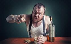 Có một kiểu người cứ say rượu là nổi khùng lên: Tại sao lại vậy và làm cách nào để giải quyết?