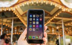 """Apple """"nhờ cậy"""" Qualcomm để được bán lại iPhone"""