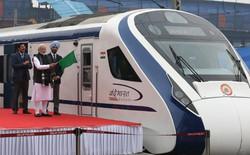 Vừa chạy được 1 hôm, đoàn tàu nhanh nhất Ấn Độ chưa gì đã chết máy cách thủ đô 193km