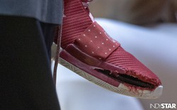 Sau Nike, đôi giày 140 USD của adidas cũng bị nổ toạc tại Giải bóng rổ đại học Mỹ