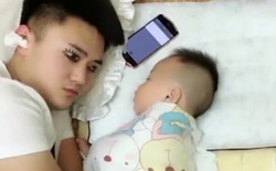 Xụi lơ vì trông con, ông bố trẻ nghĩ ra cách cực sáng tạo để tranh thủ chợp mắt
