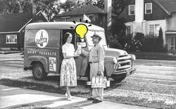 Từ cách đổi sữa của thế kỷ 20 đến ý tưởng bảo vệ môi trường được 25 thương hiệu toàn cầu gật đầu tham gia