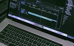 Phần mềm chỉnh sửa video Adobe Premiere bị tố làm hỏng loa MacBook Pro