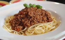 """Thị trưởng thành phố Ý: """"Làm gì có loại spaghetti nào tên là bolognese! Gọi tên sai hết rồi"""""""