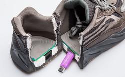 Thanh niên Mỹ bất ngờ tìm thấy USB chứa album rap của Kanye West khi cưa đôi giày Yeezy 700