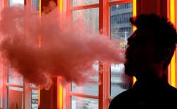 FDA báo cáo 35 trường hợp động kinh liên quan đến thuốc lá điện tử